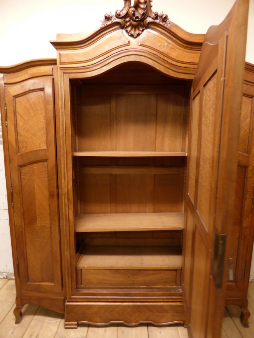 Superbe ... Large French Antique Armoire   French Bookcase   New In   P965